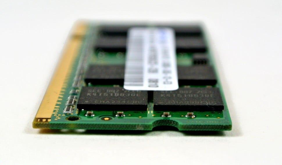 Laptop-Memory-Module-970x568